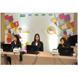 Recepcionistas para conferência na Cidade Ademar